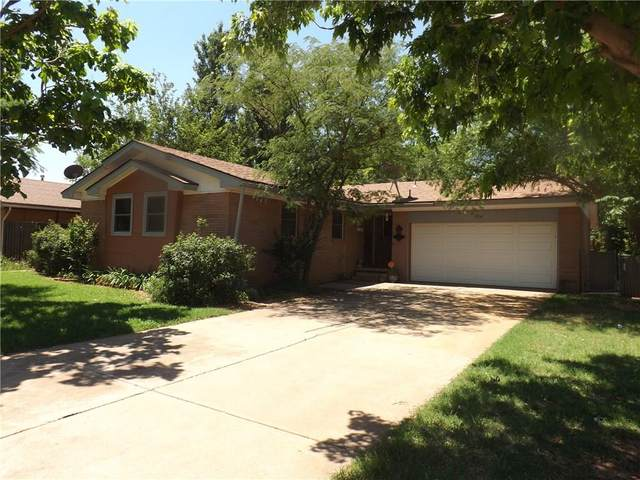 1216 E Karen Drive, Altus, OK 73521 (MLS #913920) :: Homestead & Co