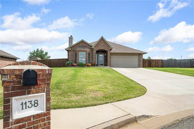 1138 Phils Way Nw, Piedmont, OK 73078 (MLS #914373) :: Your H.O.M.E. Team