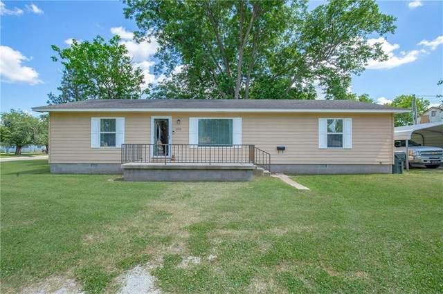 206 E Hanna Avenue, Davis, OK 73030 (MLS #914847) :: Homestead & Co