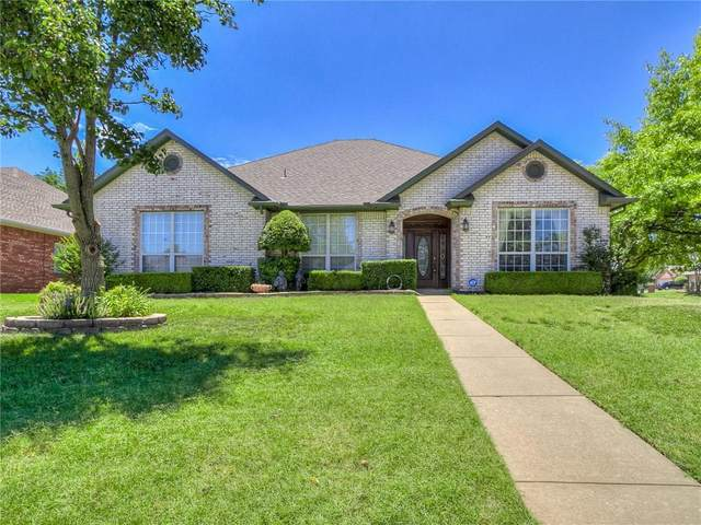 6216 Woodcreek Court, Oklahoma City, OK 73122 (MLS #915296) :: Homestead & Co