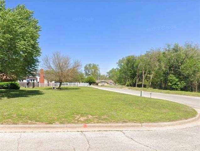 NE 21st Street, Oklahoma City, OK 73121 (MLS #915791) :: Erhardt Group at Keller Williams Mulinix OKC