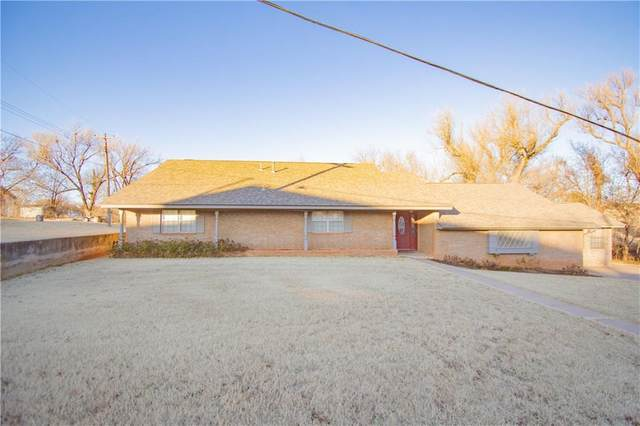 201 W 11th Street, Cordell, OK 73632 (MLS #915857) :: Homestead & Co