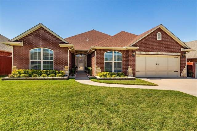 816 SE 6th Street, Moore, OK 73160 (MLS #916107) :: Homestead & Co