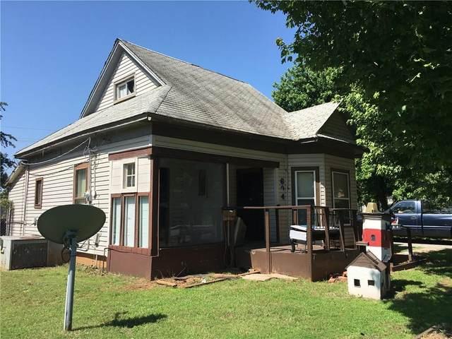 604 W C Avenue, Elk City, OK 73644 (MLS #916157) :: Homestead & Co