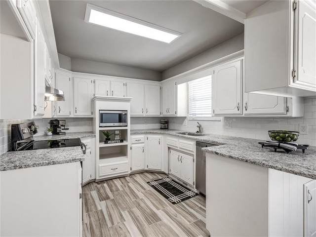5617 NW 115th Street, Oklahoma City, OK 73162 (MLS #916733) :: Homestead & Co