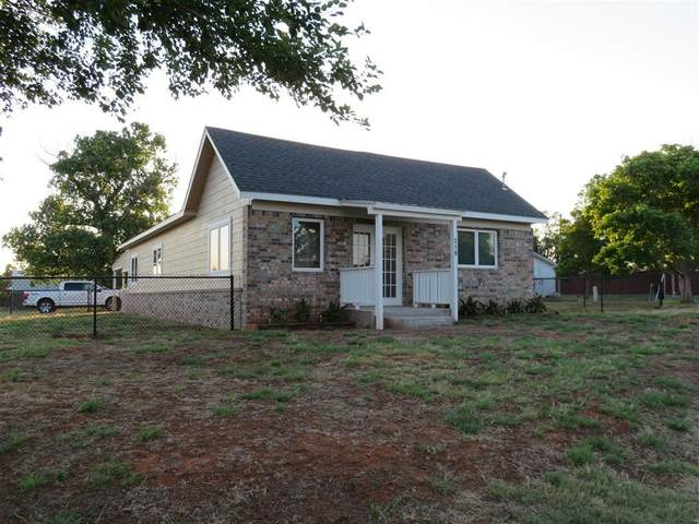 218 S 6th, Arapaho, OK 73601 (MLS #916850) :: Homestead & Co