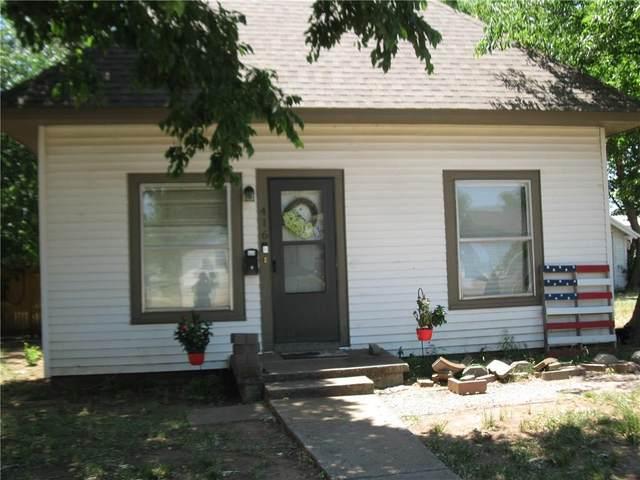 416 W Arapaho Street, Weatherford, OK 73096 (MLS #916900) :: Homestead & Co