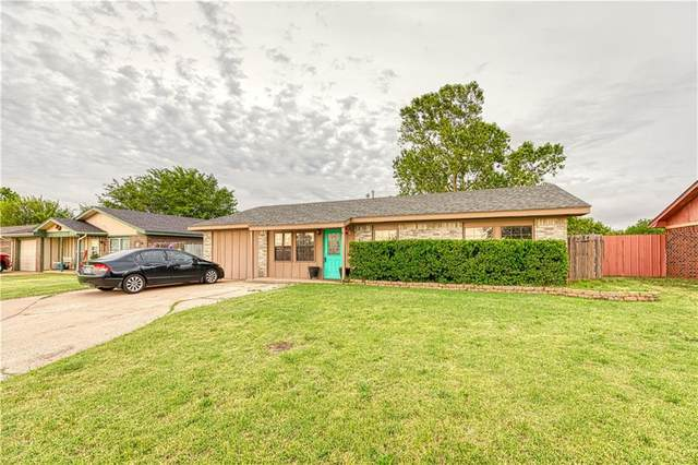 621 S 28th Street, Clinton, OK 73601 (MLS #917086) :: Homestead & Co