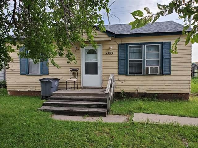 1303 SW 26th Street, Lawton, OK 73505 (MLS #917181) :: Homestead & Co