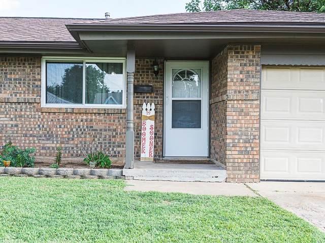 964 SW 3rd Street, Moore, OK 73160 (MLS #917465) :: Keri Gray Homes
