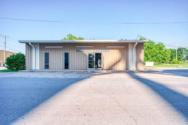 421 W A Street, Watonga, OK 73772 (MLS #917800) :: Homestead & Co