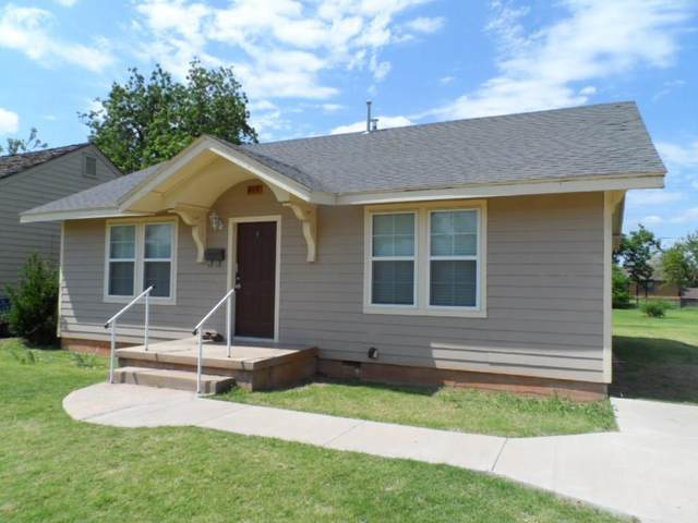 817 E Elm, Altus, OK 73521 (MLS #918247) :: Homestead & Co