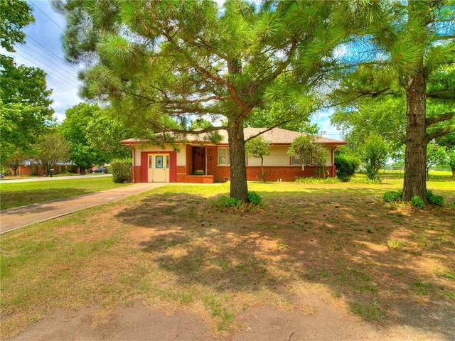 123 W 11th Street, Stroud, OK 74079 (MLS #918389) :: Homestead & Co