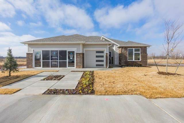 2013 Sara Vista Drive, Yukon, OK 73099 (MLS #918477) :: Erhardt Group at Keller Williams Mulinix OKC