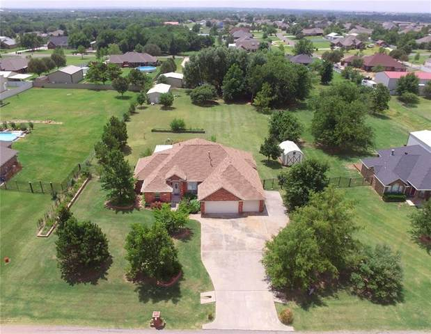2208 NE 18th Street, Moore, OK 73160 (MLS #918492) :: Homestead & Co