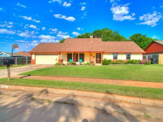 2109 N Lincoln Avenue, Moore, OK 73160 (MLS #918610) :: Homestead & Co