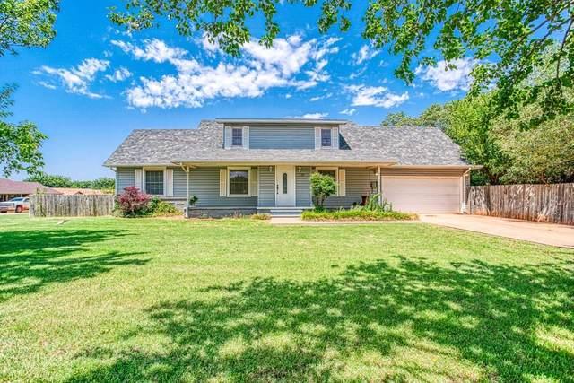726 S 13th Street, Kingfisher, OK 73750 (MLS #918794) :: Homestead & Co
