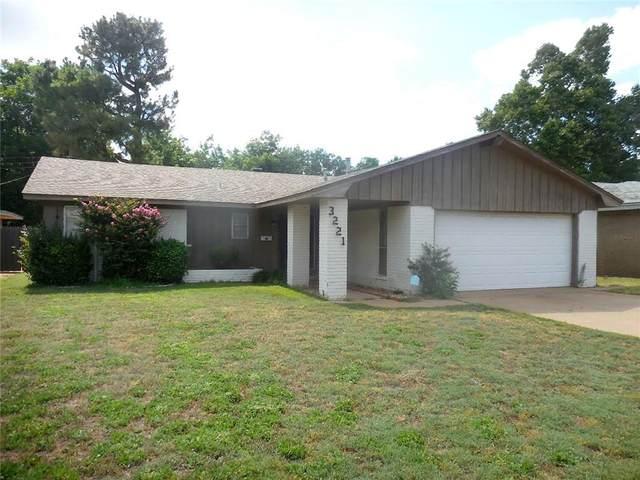 3221 N Shannon Avenue, Bethany, OK 73008 (MLS #918955) :: Homestead & Co