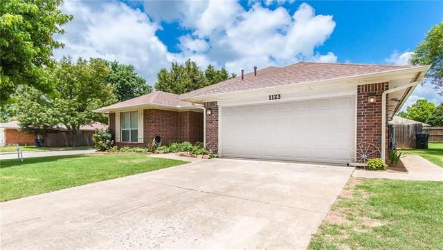 1123 Mayes Street, Purcell, OK 73080 (MLS #919139) :: Homestead & Co