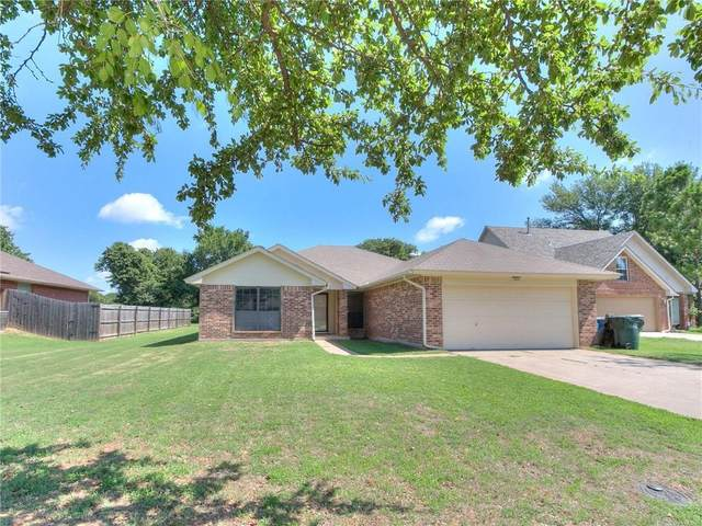 9125 Brookwood Drive, Midwest City, OK 73130 (MLS #919444) :: Homestead & Co