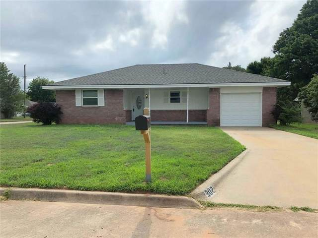 302 N Eastern Avenue, Shawnee, OK 74801 (MLS #919606) :: Homestead & Co