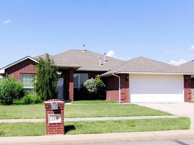 2303 Blue Jay Drive, Edmond, OK 73012 (MLS #919670) :: Your H.O.M.E. Team