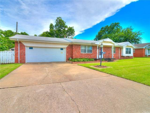 712 SW 60th Terrace, Oklahoma City, OK 73139 (MLS #919699) :: Homestead & Co