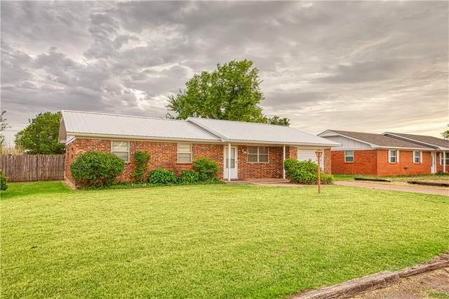 616 E Benton Avenue, Sayre, OK 73662 (MLS #921073) :: Maven Real Estate