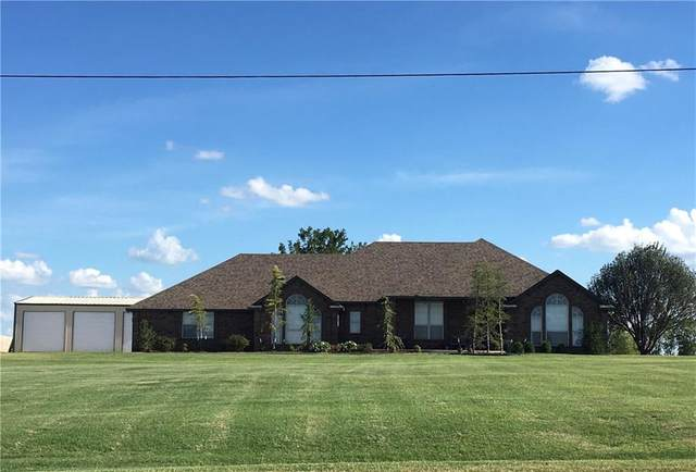 2275 E Sooner Road, Blanchard, OK 73010 (MLS #921580) :: Homestead & Co