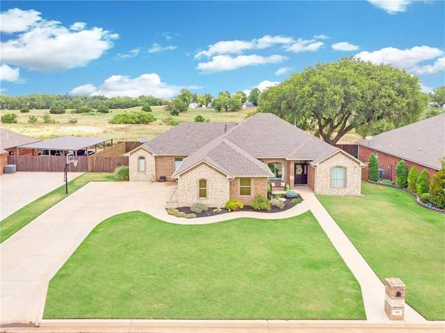 105 Ruby, Elk City, OK 73644 (MLS #922455) :: Homestead & Co