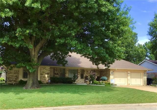 2801 Tudor Road, Oklahoma City, OK 73127 (MLS #922663) :: Homestead & Co