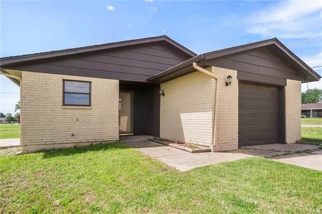 620 NW Harrison Avenue, Piedmont, OK 73078 (MLS #922889) :: Homestead & Co