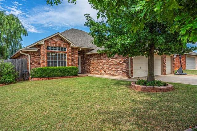 711 E Forest Court Lane, Mustang, OK 73064 (MLS #922933) :: Your H.O.M.E. Team