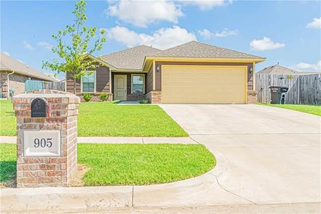 905 SW 12th Street, Moore, OK 73160 (MLS #922994) :: Keri Gray Homes