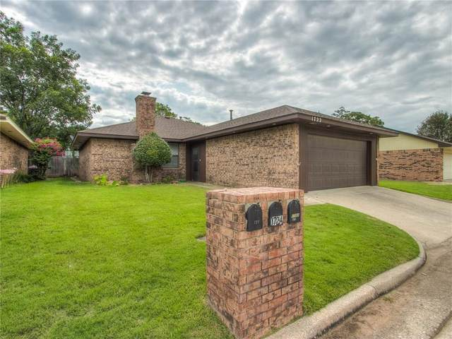1722 Lionsgate Circle, Bethany, OK 73008 (MLS #923093) :: Homestead & Co