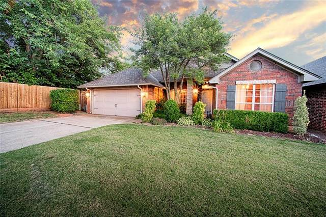 4300 Foxglove Lane, Oklahoma City, OK 73120 (MLS #923316) :: Homestead & Co