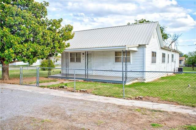 201 W 4th Street, Duke, OK 73532 (MLS #923598) :: Homestead & Co