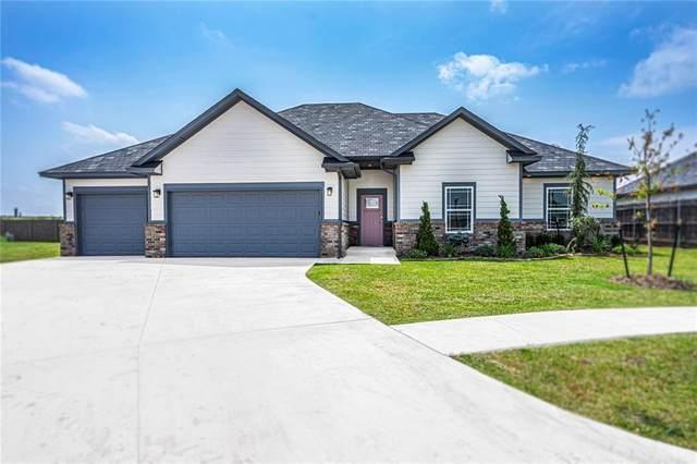 3904 NW 165th Circle, Edmond, OK 73012 (MLS #923620) :: Keri Gray Homes