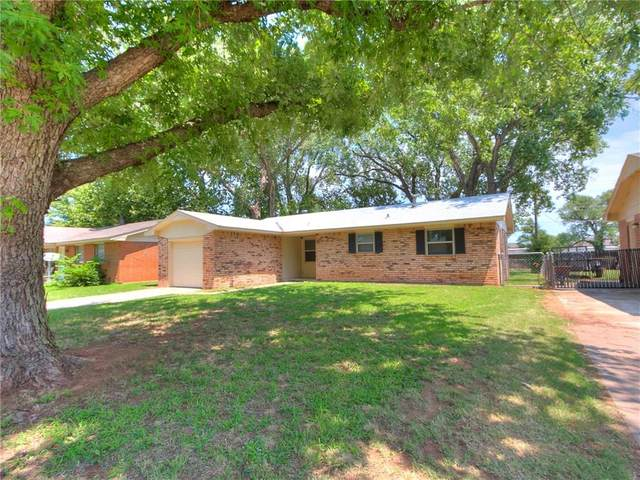 200 S Meadow Lane, Mustang, OK 73064 (MLS #923674) :: Your H.O.M.E. Team