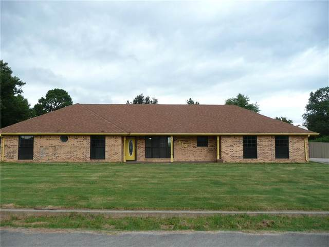 410 Warren Street, Holdenville, OK 74848 (MLS #923856) :: Homestead & Co