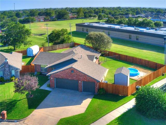 668 NW 19th Street, Moore, OK 73160 (MLS #923894) :: Your H.O.M.E. Team