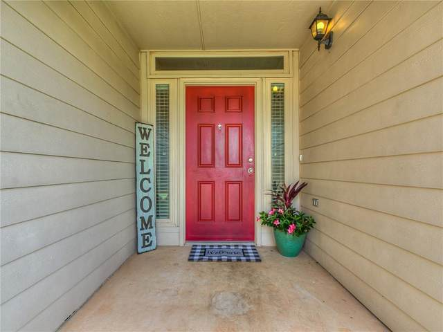 17600 Redtailed Hawk Way, Edmond, OK 73012 (MLS #923927) :: Homestead & Co