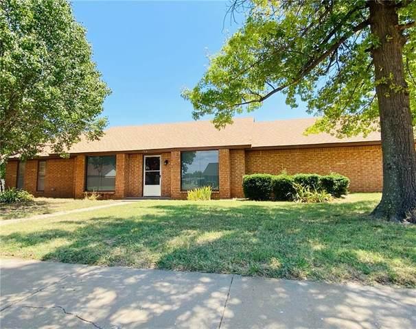 716 Rosehaven Drive, Altus, OK 73521 (MLS #924391) :: Keri Gray Homes