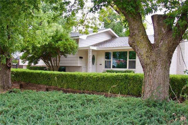 215 N Texas Street, Weatherford, OK 73096 (MLS #925244) :: Erhardt Group at Keller Williams Mulinix OKC