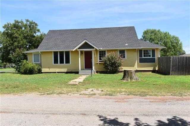 220 Jackson Avenue, Piedmont, OK 73078 (MLS #925469) :: Homestead & Co