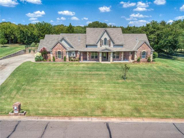 8013 Cardinal Ridge Drive, Edmond, OK 73034 (MLS #925681) :: Homestead & Co