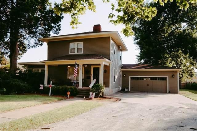 609 N Ash Street, Pauls Valley, OK 73075 (MLS #925703) :: Erhardt Group at Keller Williams Mulinix OKC