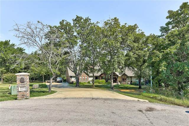 19465 Charleston Pointe, Shawnee, OK 74801 (MLS #925792) :: Homestead & Co