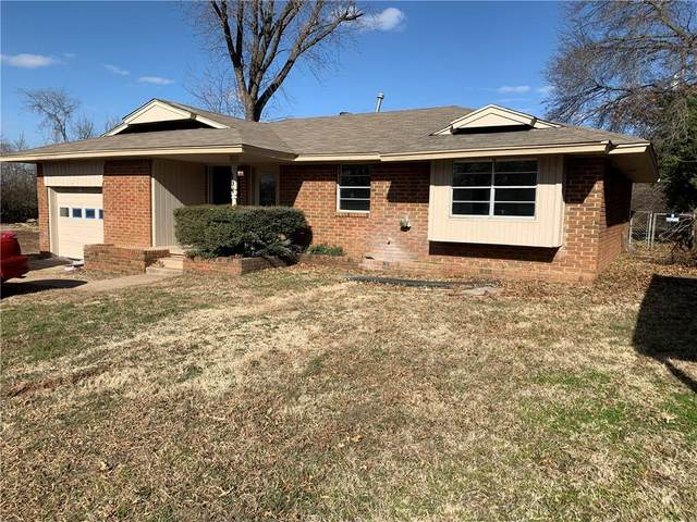108 W Ash Drive, Noble, OK 73068 (MLS #926105) :: Erhardt Group at Keller Williams Mulinix OKC