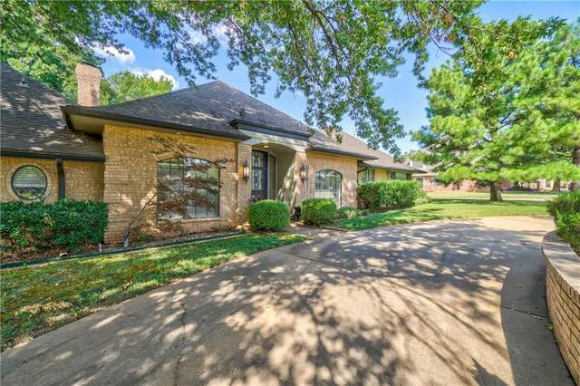 10701 Woodridden, Oklahoma City, OK 73170 (MLS #926162) :: Homestead & Co